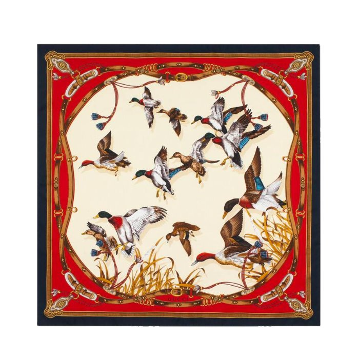 유럽직배송 구찌 실크 스카프 GUCCI SILK SCARF WITH FLYING DUCKS AND BELTS 589242 3G001 9268