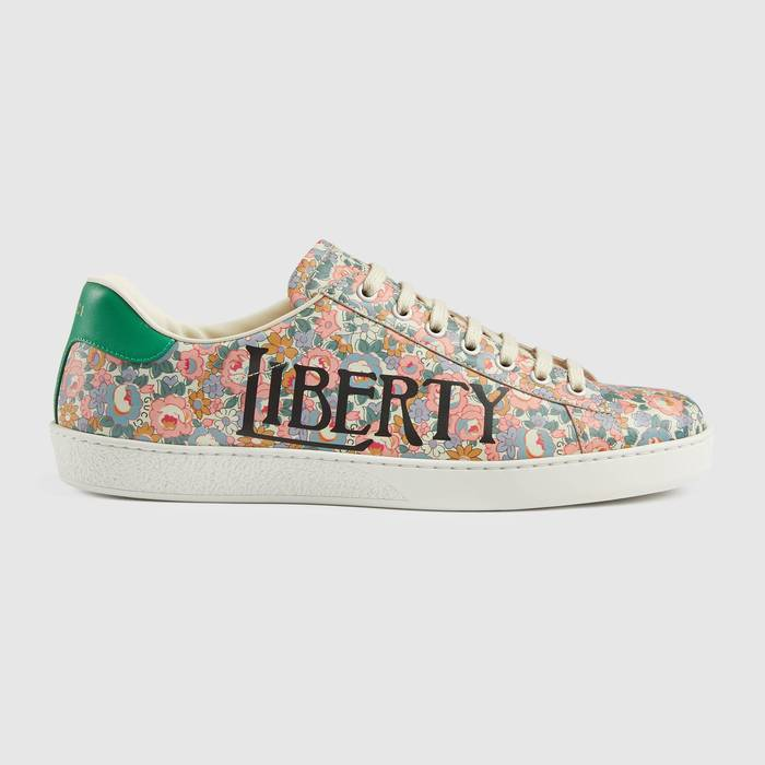 유럽직배송 구찌 GUCCI Gucci - Men's Ace Gucci Liberty floral sneaker 6363572IS105970